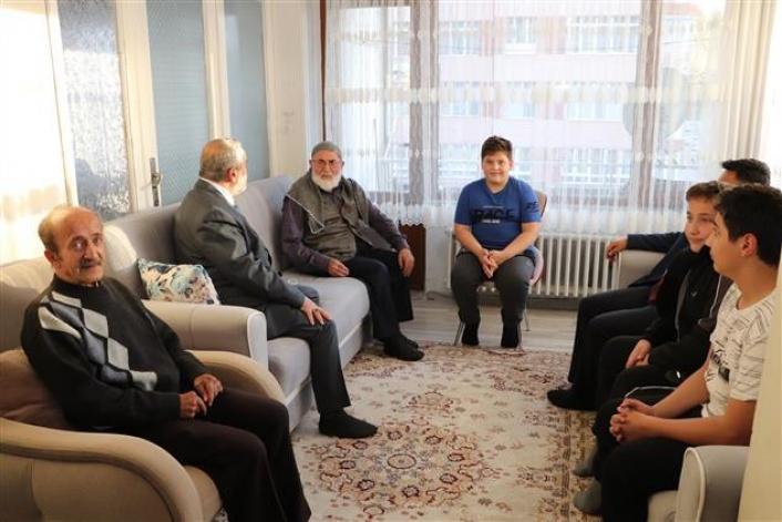 Sivas´ta yaşayan emekli din görevlilerine vefa