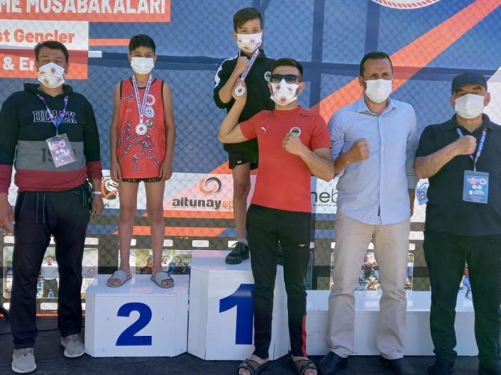 Sivaslı Muay Thai sporcusu Türkiye 2.´si oldu