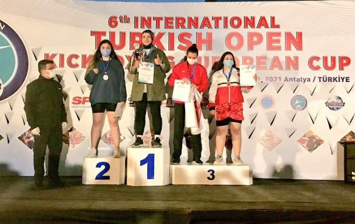 Sivaslı sporcu Kick Boks´ta Avrupa şampiyonu oldu