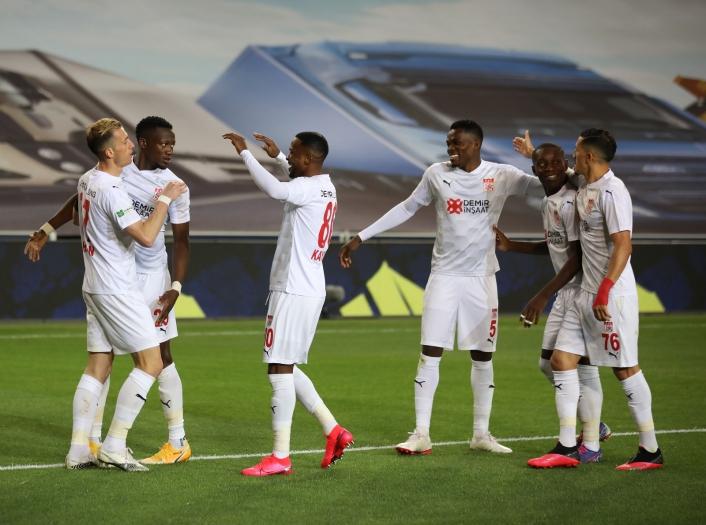Sivasspor, bu sezon İstanbul´da ilk kez kazandı