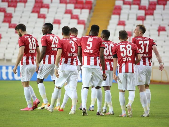 Sivasspor´da 10 futbolcunun sözleşmesi bitiyor!