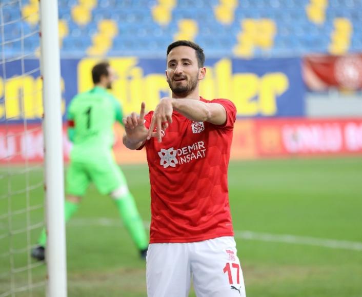Sivasspor´da Erdoğan Yeşilyurt 2. golünü attı