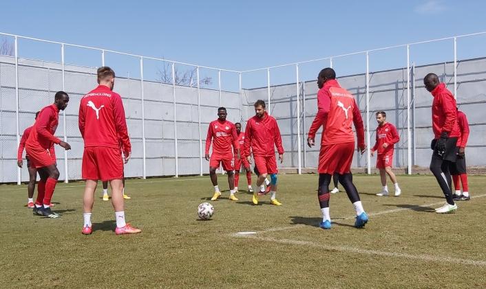 Sivasspor´da Konyaspor hazırlıkları sürüyor