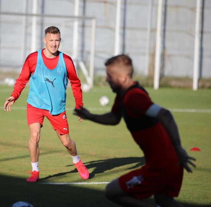 Sivasspor´un yeni transferi Fredrik Ulvestad ilk idmanına çıktı
