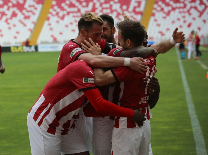 Sivasspor, yenilmezlik serisini 15 maça çıkardı
