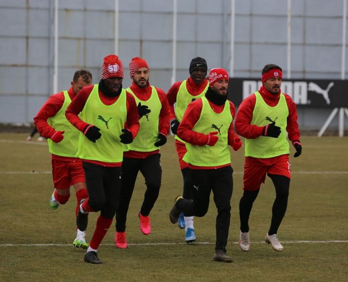 Sivasspor, zorlu Trabzonspor maçı hazırlıklarını sürdürüyor