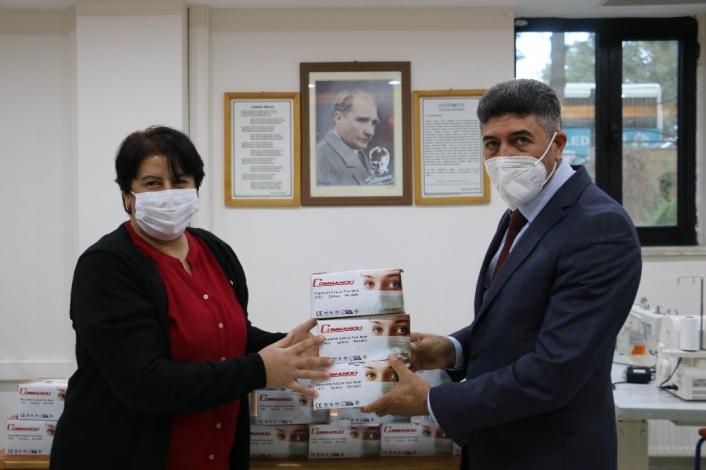 Sivrice´de öğrencilere 10 bin adet maske desteği