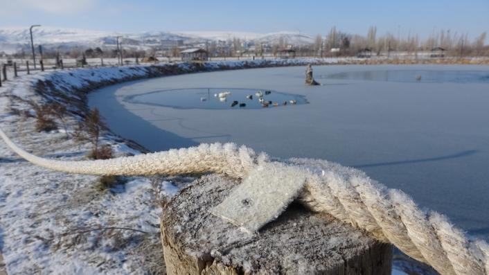Soğukluk rekoru İmranlı´da kırıldı