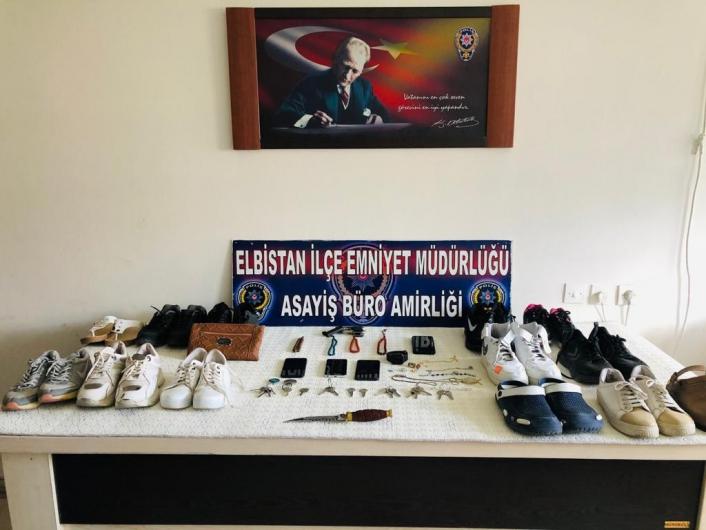 Soydukları evden ayakkabı ve paspası da çalan hırsızlar tutuklandı