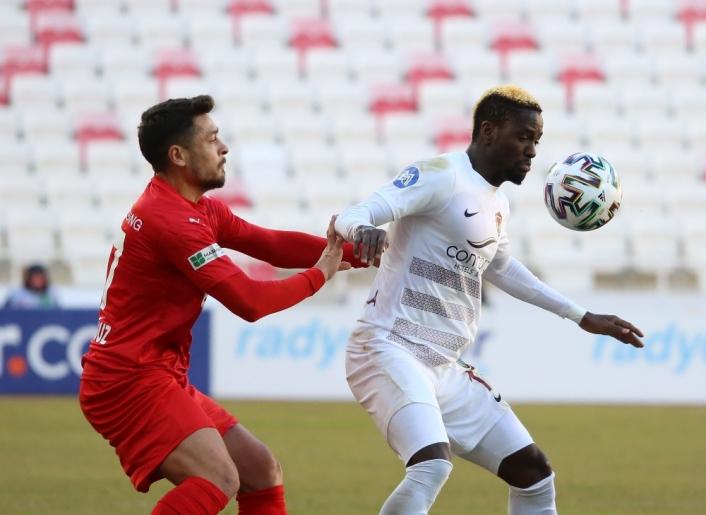 Süper Lig: DG Sivasspor: 0 - A.Hatayspor: 0 (İlk yarı)