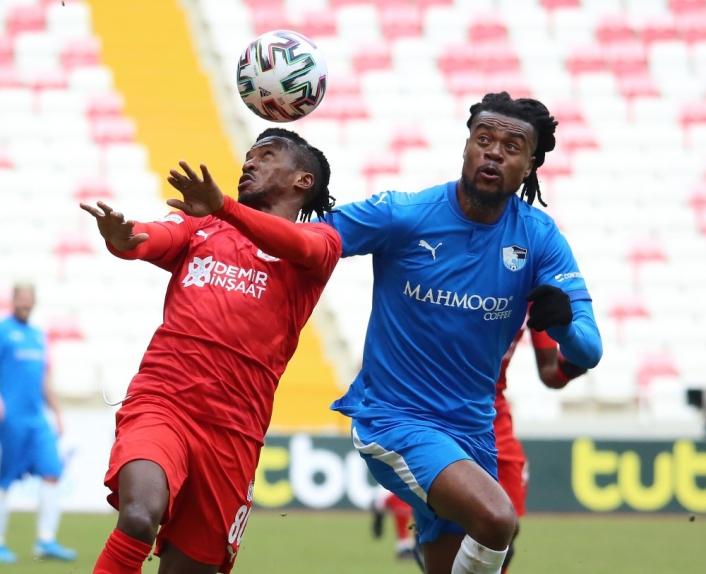 Süper Lig: DG Sivasspor: 0 - BB Erzurumspor: 0 (İlk yarı)