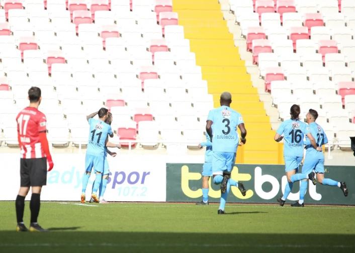 Süper Lig: DG Sivasspor: 0 - Gaziantep FK: 1 (Maç devam ediyor)