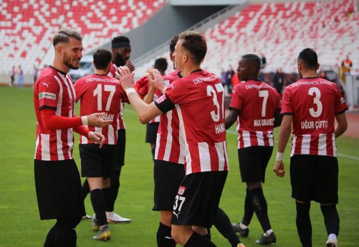 Süper Lig: DG Sivasspor: 2 - Gaziantep FK: 1 (Maç sonucu)