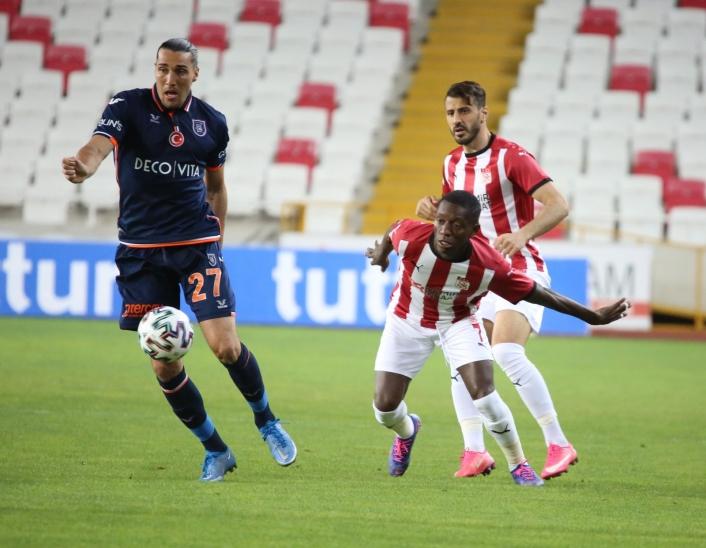 Süper Lig: Sivasspor: 0 - Medipol Başakşehir: 0 (Maç devam ediyor)