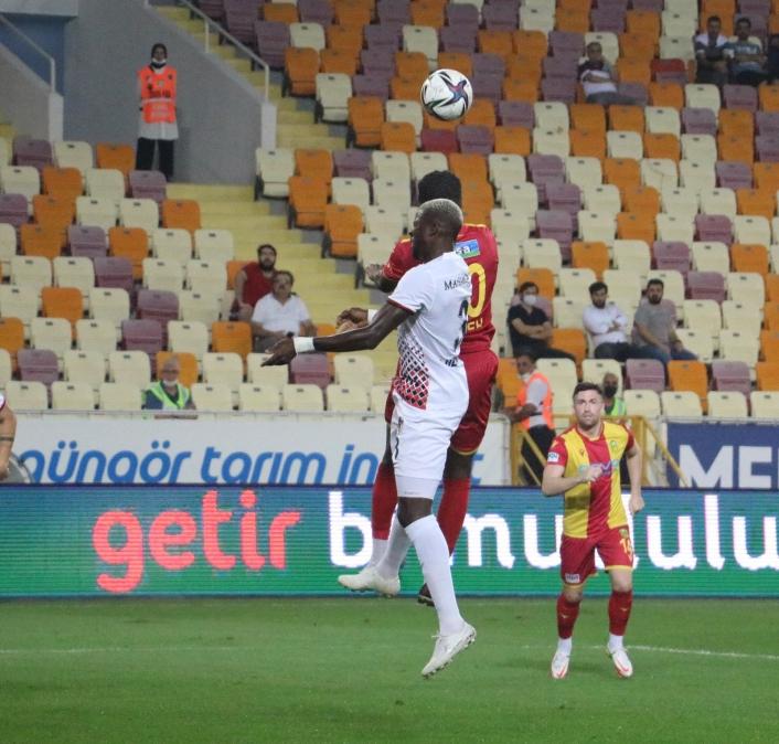 Süper Lig: Yeni Malatya: 1- Gaziantep FK: 0 (İlk yarı)