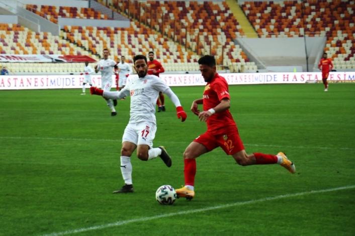 Süper Lig: Yeni Malatyaspor: 1 - DG Sivasspor: 2 (İlk yarı)