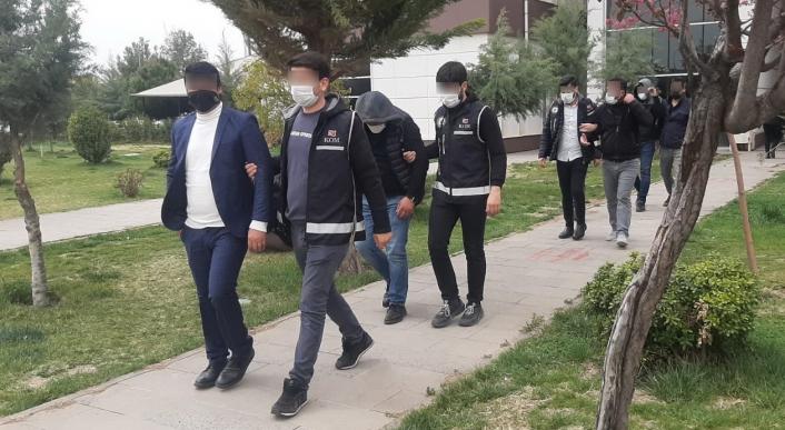 Tefeci operasyonunda 3 şahıs tutuklandı