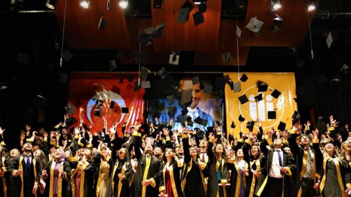 Tıbbiyelilerde mezuniyet coşkusu