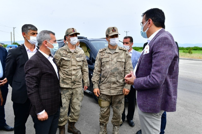 Tüfenkci ve Çınar´dan Jandarma ziyareti