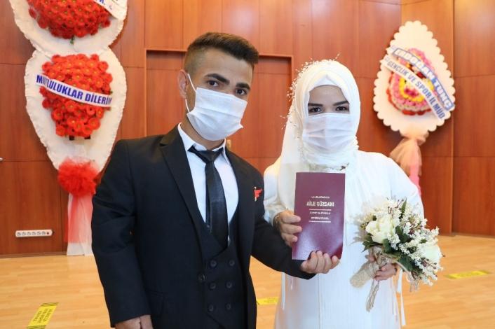 Türkiye şampiyonu ´Cep Herkülü´ dünya evine girdi