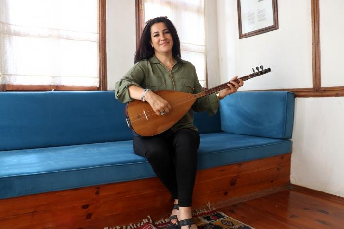 Ünlü halk müziği sanatçısı Pınar Dağdelen ikinci albümünü çıkarttı