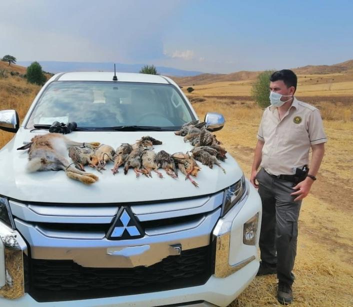Usulsüz avlanan  avcılar yakayı ele verdi