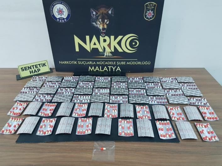 Uyuşturucu sokak satıcılarına operasyon: 3 tutuklama