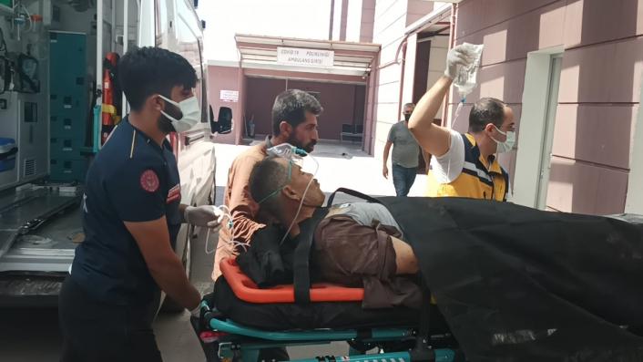 Üzerine mermer parçası düşen işçi ağır yaralandı