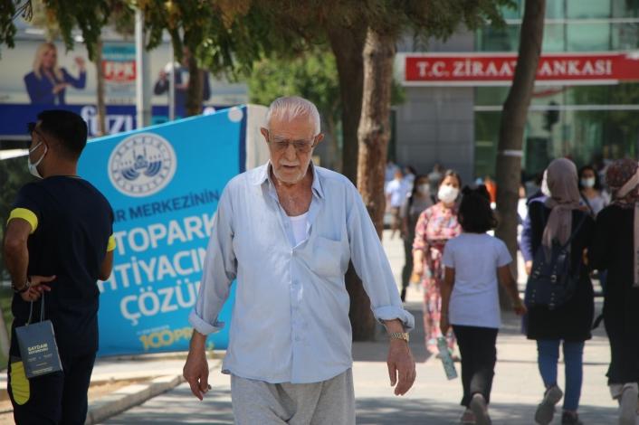 Vaka sayısının en çok arttığı Elazığ´da maskesiz vatandaş, herkesi maske takmaya davet etti
