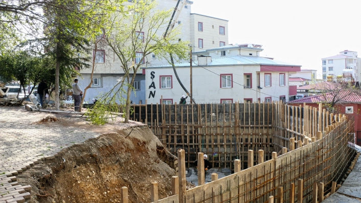 Vatandaş talep etti büyükşehir belediyesi yeniliyor