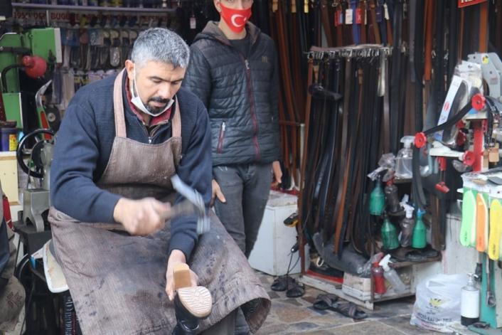 Virüsü yenen ayakkabı tamircisinden vatandaşa uyarı
