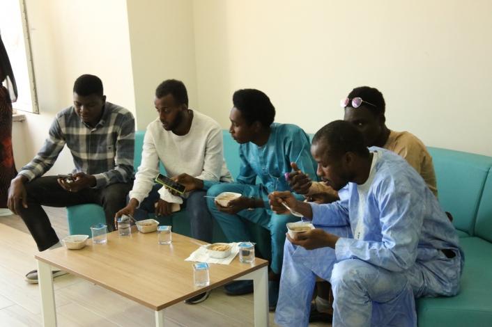 Yabancı uyruklu öğrenciler aşureyle tanıştı