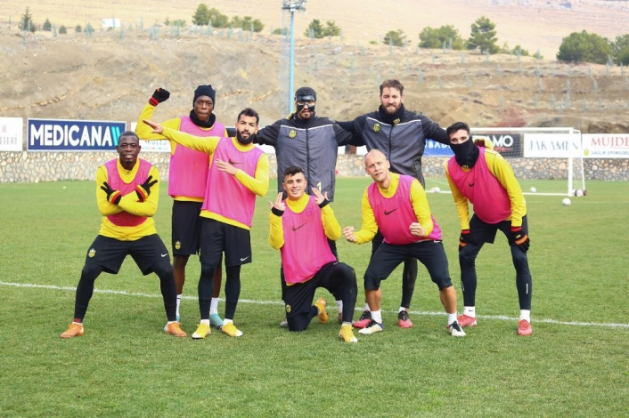 Yeni Malatyaspor, Kasımpaşa´ya 3 puan parolasıyla hazırlanıyor