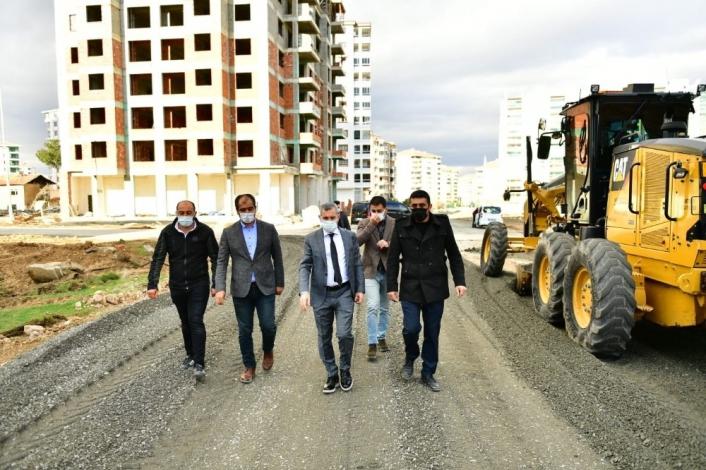 Yeşilyurt Belediyesi, alternatif yol güzergahlarının sayısını artırıyor