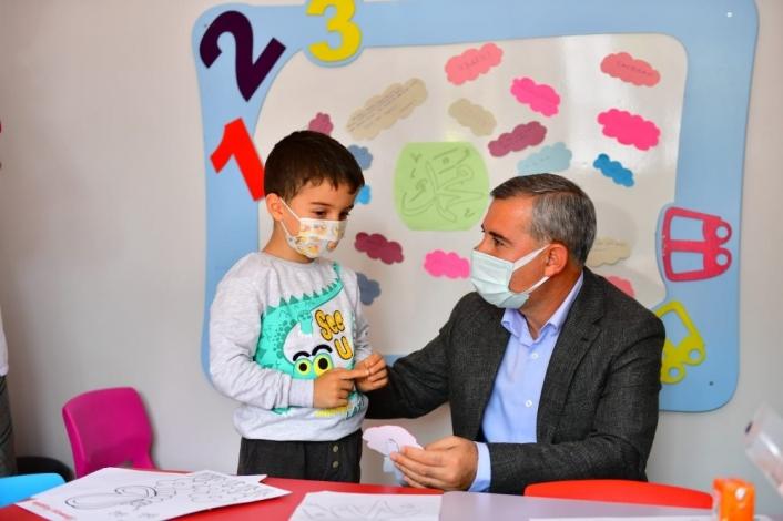 Yeşilyurt Belediyesi erdem okulları, pandemi tedbirleriyle faaliyetlerine devam ediyor