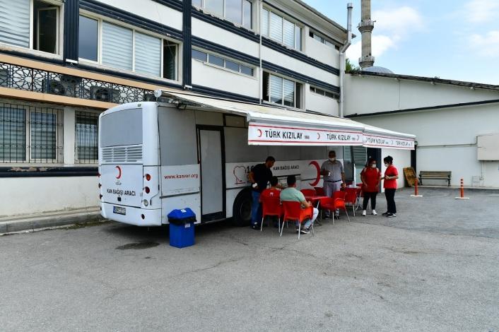 Yeşilyurt Belediyesi personellerinden kan bağışı