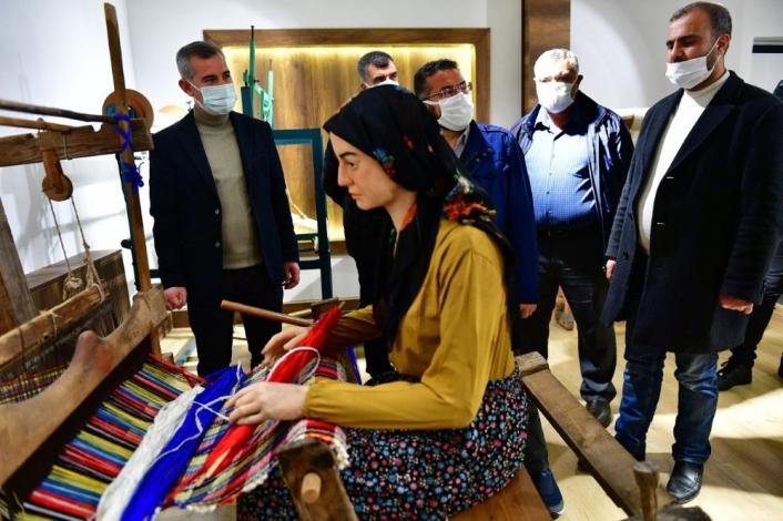 Yeşilyurt Belediyesi tekstil müzesi ile ziyaretçilerini tarihi bir yolculuğa çıkarıyor