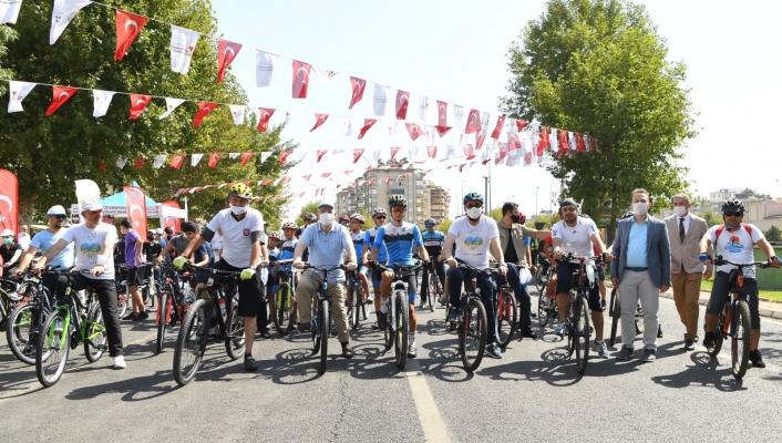Yürüyüş ve Bisiklet Turu etkinliğinde buluştular
